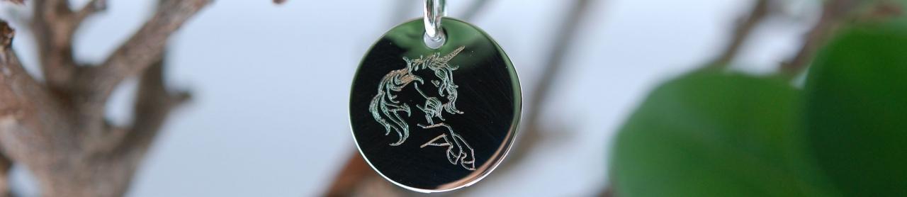 Von uns handgezeichnete Motive. P.S. Kostet NUR (ab) 39 Euro (alle Größen Silber gleich!)
